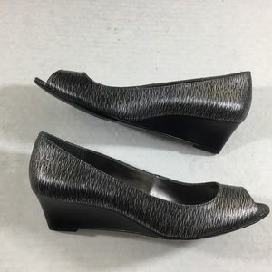 Calvin Klein Bree Gray/Black Leather Wedge 9M New